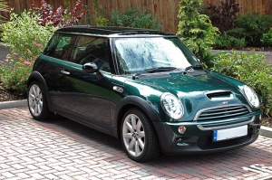 british-racing-green-mini-cooper-s-small11